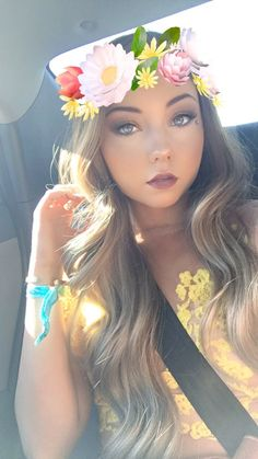 (20) Twitter if Mer follow me I scream I love her videos so much follow her @STILABABE09mere I want her to follow me plz follow me