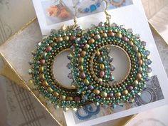 Beadwork Earrings AUTUMN GODDESS Seed Bead Hoop por WorkofHeart