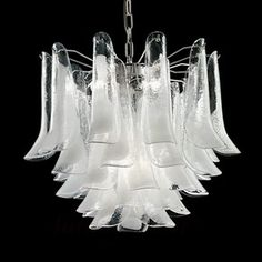 Lampa wahadłowa Tulipani ze szkła z Murano, 45 cm 7014020 Crystal Chandelier Lighting, Italian Chandelier, Luxury Chandelier, Antique Chandelier, Chandeliers, Art Deco Lighting, Vintage Lighting, Lighting Design, Modern Led Ceiling Lights
