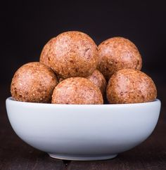 Quick, easy and delicious Jaffa Bliss Balls. Perfect for snacks and gifts. Free from gluten, grains, dairy, egg and refined sugar. Clean Eating Desserts, Raw Desserts, Health Desserts, Health Foods, Sugar Free Recipes, Raw Food Recipes, Snack Recipes, Healthy Recipes, Vegan Food