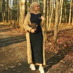 Hijab fashion style in winter Just Trendy Girls Winter Dress Outfits, Casual Dress Outfits, Classy Outfits, Modest Outfits, Muslim Fashion, Modest Fashion, Hijab Fashion, Fashion Outfits, Hijab Outfit