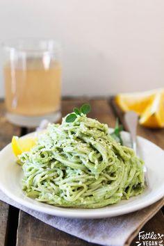 Bring on Spring with this Creamy Avocado Pesto Pasta!   #vegan #recipe