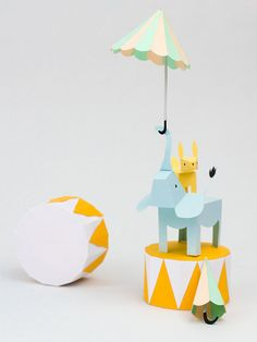 #charming Paper Story - would make a cute baby shower or kids party centerpiece!