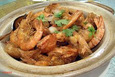 Singapore Prawns in Shell | Jumbo tiger prawns with shell fried in a mix of flavorful seasonings. #prawns #seafood #Singapore #fried #recipes