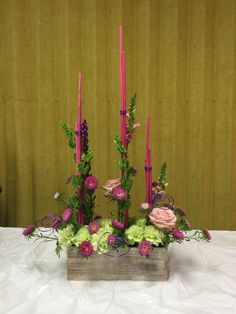 New Garden Club Journal parallel floral design. #flower arrangement