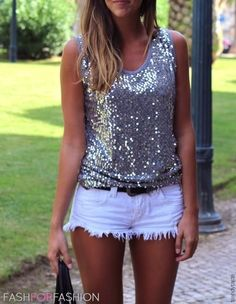 LOVE this sequin top with white shorts! Short Outfits, Summer Outfits, Cute Outfits, Outfits 2016, Dresses 2016, Summer Clothes, Passion For Fashion, Love Fashion, Womens Fashion