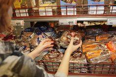 Tumma leipä päihitti vaalean myynnissä. Luulin, että olemme tumman leivän kansaa, mutta näemme vaalea on maistunut enemmän.