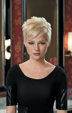 short to midlength haircuts for fine hair thats going grey Click image for more. Haircuts For Fine Hair, Cute Hairstyles For Short Hair, Pixie Hairstyles, Curly Hair Styles, Short Haircuts, Short Hair Cuts For Women Edgy, Short Blonde Pixie, Corte Y Color, Sassy Hair