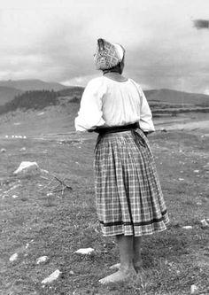 Polomka (Horehronie) Cap, History, Embroidery, Life, Fashion, Black Photography, Black And White, Costumes, Baseball Hat