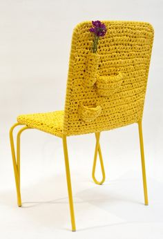 Fun and quirky crochet design: Granny Judith Chair Form Crochet, Crochet Home, Diy Crochet, Crochet Stitch, Crochet Granny, Crochet Ideas, Crochet Pattern, Crochet Furniture, Chair Pictures
