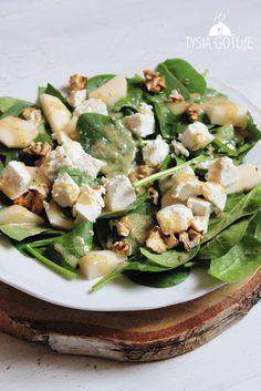 Sałatka ze szpinakiem, serem kozim i gruszką | Tysia Gotuje blog kulinarny