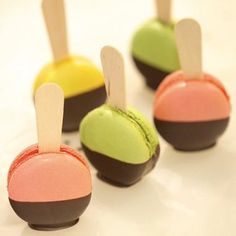 first I will master macaroons - next I will master macaroon lollypops and I will be the macaroon God.