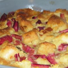 Pumpkin pie and bread pudding become a dynamic duo in this delicious dessert. Rhubarb Desserts, Rhubarb Recipes, Just Desserts, Dessert Recipes, Apple Desserts, Rhubarb Ideas, Rhubarb Bread Pudding, Bread And Butter Pudding, Bread Puddings