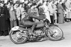Strassenrennen Linz 1954  Moto Guzzi Quelle:technischesmuseum.at Sammlung Arthur Fenzlau