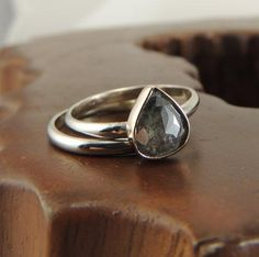 One gorgeous engagement ring. #etsyweddings