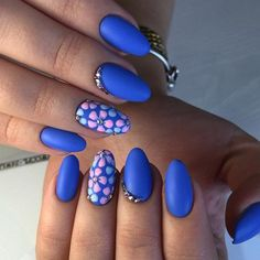 Almond-shaped nails, Blue matte nails, Bright gel polish for nails, Bright summer nails, flower nail art, Matte nails, Nails ideas with flowers, Spring nail ideas