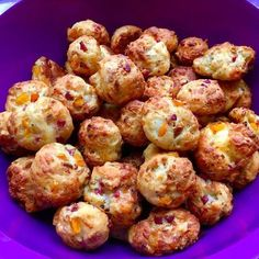 Fingerfood - herzhaft & süß Pizza balls, a delicious recipe from the finger food category. Snacks Pizza, Snacks Für Party, Pizza Recipes, Chef Recipes, Grilling Recipes, Pizza Ball, Pizza Pizza, Party Finger Foods, Snacks
