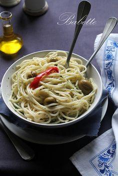 Pestos, olajbogyós spagetti by babettee, via Flickr