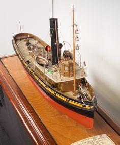 Model of Steel tugs Flying Swift and Flying Linnet Glasgow, Newark Castle, Clyde River, Linnet, Boat Art, Tug Boats, Boat Plans, Boat Building, Model Ships