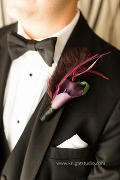 The Grooms Boutonniere - Flowers & Feathers | www.knightstudio.com | Buffalo NY Wedding Photography
