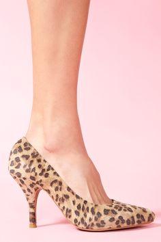 Effie Leopard Pump