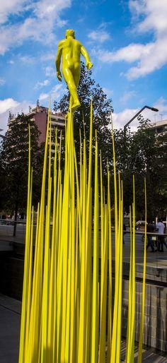 Esculturas de Osvaldo Peña en los edificios del Grupo Security My Works, Sculpture, Illustration, Photography, Maps, Urban Intervention, South America, Santiago, Wine