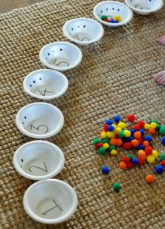 Great way to count and learn number recognition - Kinder - Beziehung statt Erziehung - Baby Activities Counting Activities, Montessori Activities, Preschool Learning, Preschool Activities, Kids Learning, Teaching, Learning Activities For Toddlers, Fitness Activities, Motor Activities