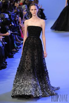 Elie Saab Spring-summer 2014 - Couture - http://www.flip-zone.net/fashion/couture-1/fashion-houses/elie-saab-4455 - ©PixelFormula