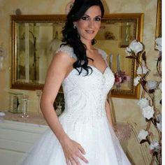 Polvere di stelle per l'abito da sposa di  Vanessa  #realbrides www.momentisposi.it
