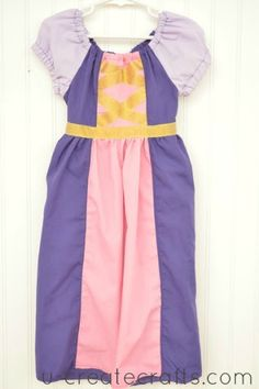 DIY Princess Peasant Dresses that are comfortable! - snow white, rapunzel, tinker bell, and belle . I think someone needs to make these for Elena since I am not a great seamstress. Girls Dress Up, Dress Up Outfits, Diy Dress, Kids Outfits, Rapunzel Costume Toddler, Rapunzel Dress, Toddler Dress, Toddler Girls, Baby Girls