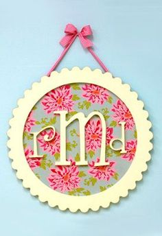 monogrammed plaque | love these for a nursery or kid's room!//  SHould be SUPER easy to make!!!