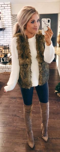 the best cold weather casual winter outfits for women that still look good! If you're looking for women's coats, winter style inspiration, casual winter fashion and winter ootd looks, take i Black Women Fashion, Look Fashion, Trendy Fashion, Winter Fashion, Fashion Trends, Fashion Ideas, Womens Fashion, Fashion Bloggers, Trendy Style