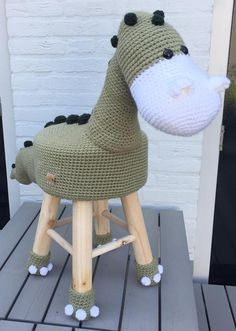 Uncinetto di Dino feci degli animali | Etsy Free Crochet, Crochet Hats, Stool Covers, Animal Books, Crochet Patterns Amigurumi, Sell On Etsy, Crochet Projects, Free Pattern, Sewing