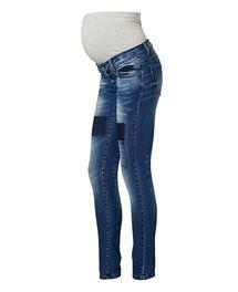Deze positie jeans van Mama-licious heeft een slimfit pasvorm. Het model heef...