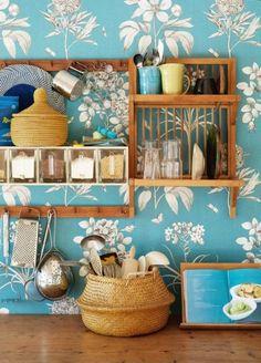 EN MI ESPACIO VITAL: Muebles Recuperados y Decoración Vintage: La casa azul { A house in blue }