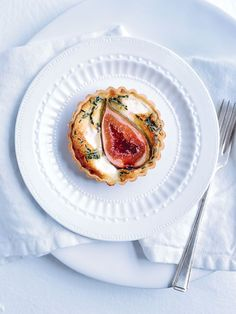Donna Hay - Fig and goats cheese tarts Donna Hay Recipes, Fig Recipes, Great Recipes, Cooking Recipes, Favorite Recipes, Dessert Recipes, Desserts, Fig And Goats Cheese Tart, Cheese Tarts