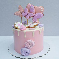 1,467 отметок «Нравится», 22 комментариев — Торты и десерты Туапсе (@lenichka8) в Instagram: «Сегодняшний с бабочками)) когда-то подобный уже был, а это- его уменьшенная копия) #бисквитныйторт…»