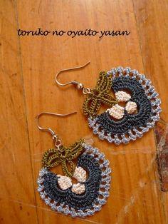 oya crochet motif earring by Nora Wink