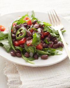 Spicy Black Bean Salad - Whole Living Eat Well Black Bean Salad Recipe, Clean Eating, Healthy Eating, Healthy Food, Healthy Habits, Vegetarian Recipes, Healthy Recipes, Fun Recipes, Side Recipes