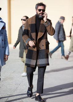 Man's Modest Check Turndown Collar Coat - Men's style, accessories, mens fashion trends 2020 Looks Cool, Men Looks, Stylish Men, Men Casual, Casual Wear, Street Style Inspiration, Style Ideas, Mode Man, Herren Winter