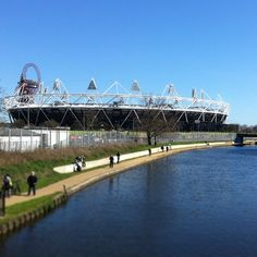 #HackneyWick#Olympic #Stadium #canal. Photo by @sparrow_tweets