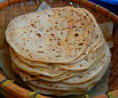Chapatis are one of the most common forms in which wheat, the staple of northern south asia, is consumed. Chapati is a form of 'Roti or bread. African Chapati Recipe, Pan Hindu, Chapati Recipes, Indian Flat Bread, Roti Recipe, Singapore Food, Pan Bread, Tasty Kitchen, Recipe Details