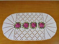 Tapete Floral De Crochê Em Barbante Destaque C/ Brilho Lindo - R$ 39,90