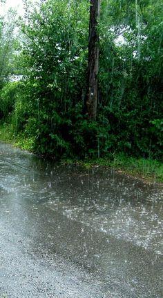 New dancing in the rain umbrella 29 Ideas Rainy Day Photography, Rain Photography, White Photography, Rain Wallpapers, Phone Wallpapers, Marguerite Duras, Smell Of Rain, I Love Rain, Rain Days