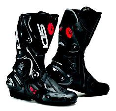 Sidi Vertigo Lei street boots. With a Dr Scholls insert, these become a super comfy touring boot.