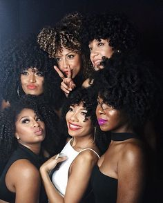 Time to wear natural afro hairstyles Through many years of struggling, the recent runways finally flooded with black models wearing dizzy curly hair. Pelo Natural, Natural Hair Tips, Natural Hair Journey, Natural Hair Styles, Natural Beauty, Big Hair, Your Hair, Divas, Pelo Afro