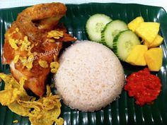 Makan Delights: Ayam Penyet