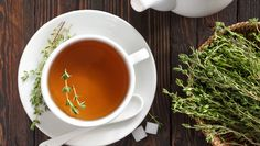 Thyme tea is an immune-boosting powerhouse. Find out about the health benefits of thyme and how you can make this healing tea regularly for better health. Home Remedy For Cough, Home Remedies, Natural Remedies, Health Benefits Of Thyme, Colon Irritable, Thyme Tea, Cleanse Your Body, Tea Blends, Healing Herbs