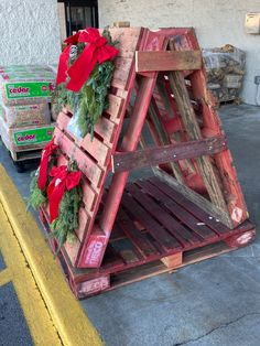 Craft Show Displays, Pallet, Wreaths, Crafts, Furniture, Home Decor, Manualidades, Decoration Home, Craft Booth Displays