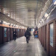 csh153 #서울#지하철#metro  3호선타고 지루 하게 실려오다가 갈아타러 좀 걸으니까 좋네 ㅋㅋ / #골목 #길 / 2014 01 17 /